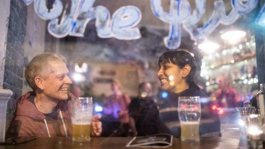 Pembatasan Belum Dilonggarkan, Restoran di Sydney dan Victoria Laris Dipesan