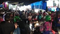 Malam Lebaran, Lalin Sekitar Pasar Senggol Makassar Padat Merayap