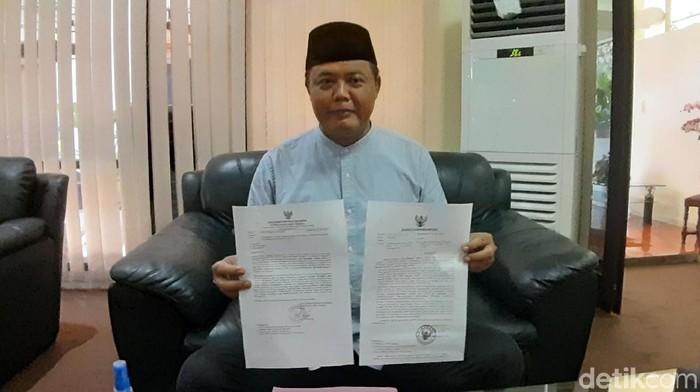 Bupati Karanganyar tunjukkan surat dari ORI Jateng soal Salat Id