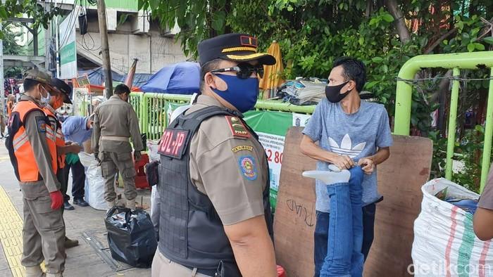 Lapak di Pasar Tanah Abang tutup jelang lebaran