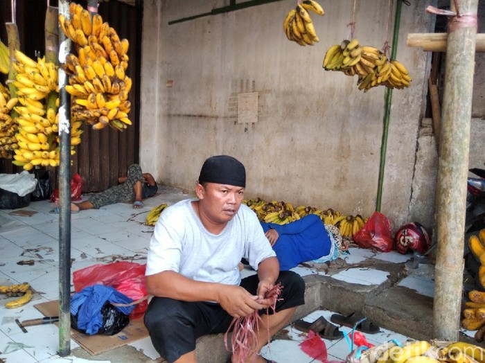 Pedagang di Pasar Minggu, Jakarta Selatan.