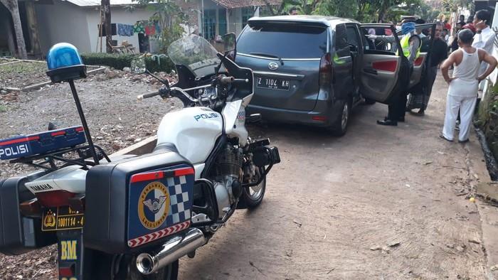 Mobil Pemudik Kabur di Garut
