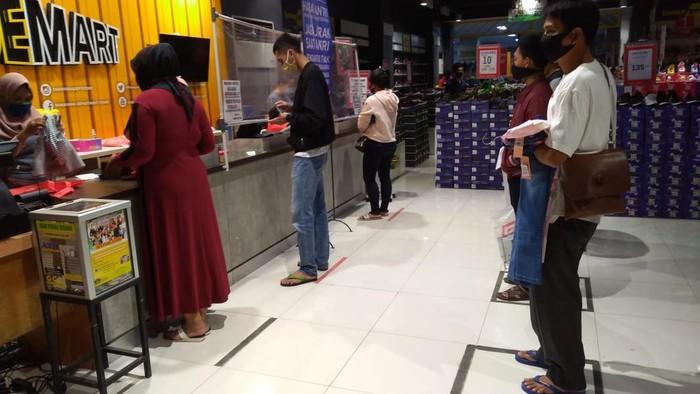 Supermarket di Bogor buka