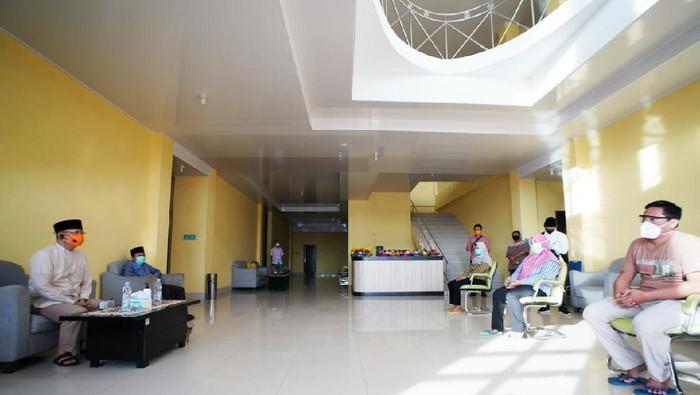 Gubernur Bengkulu temui tenaga medis di hari Lebaran