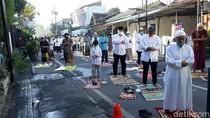Bermasker-Jaga Jarak, Warga Salat Id Berjemaah di Masjid Jogokariyan