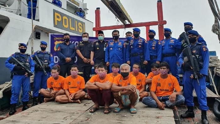 Polisi Tangkap Dua Kapal Berbendera Malaysia Diduga Lakukan Illegal Fishing