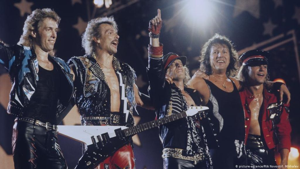 Benarkah CIA Tulis Lagu Scorpions Berjudul Wind of Change?
