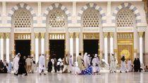 Arab Saudi Longgarkan Lockdown, Masjid Nabawi Dibuka 31 Mei
