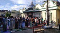 Sejumlah Masjid di Makassar Gelar Salat Id, Banyak Jemaah Tak Pakai Masker
