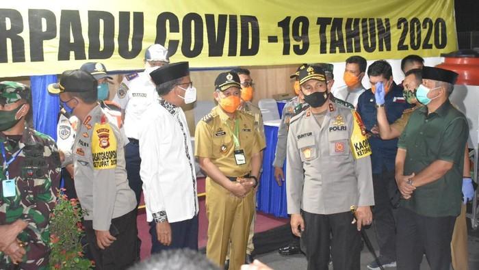 Gubernur Sulsel pantau malam takbiran di Makassar