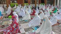 Potret Salat Idul Fitri di Salah Satu Masjid Tertua Surabaya