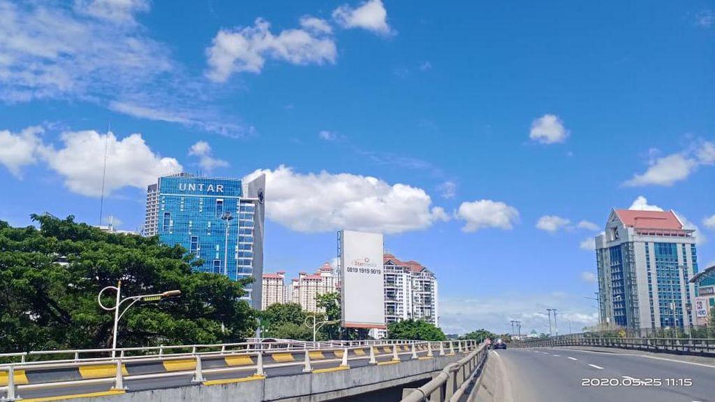 Biru Langit Jakarta Diklaim Terbaik di Setengah Dasawarsa