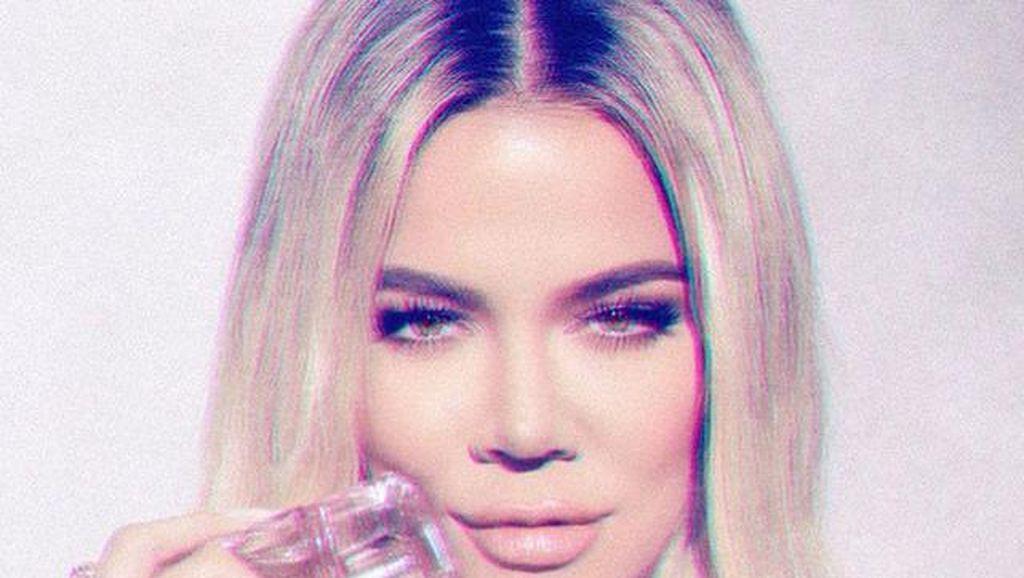 Khloe Kardashian Cerita Sempat Positif Virus Corona