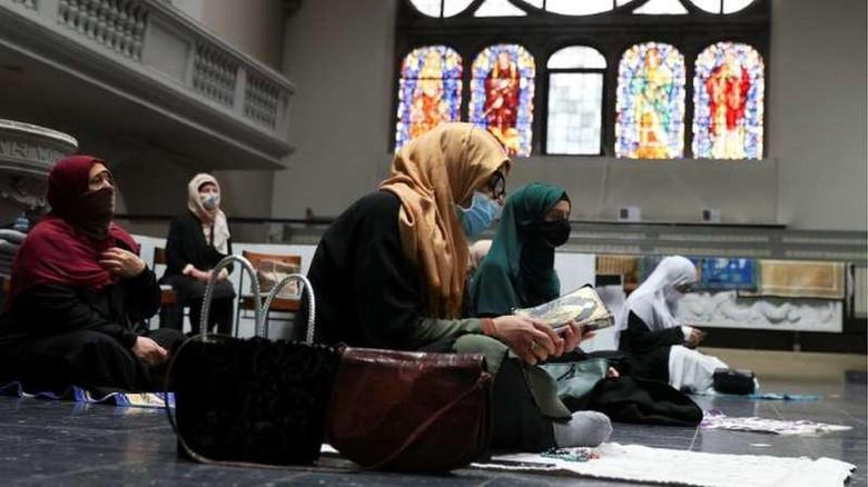 Gereja di Berlin, Jerman, buka pintu untuk umat Muslim Shalat Ied.