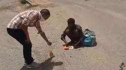 Kelaparan,  Pria Ini Terpaksa Makan Bangkai Hewan dari Jalanan