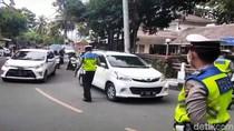 Polisi Putar Balik Wisatawan yang Nekat ke Palabuhanratu