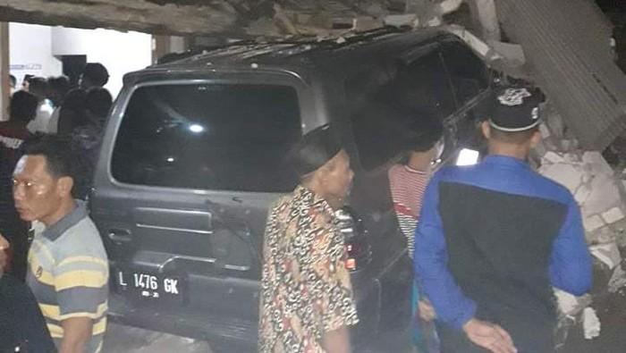 Mobil tabrak rumah di Rembang, dua orang tewas, Senin (25/5/2020).