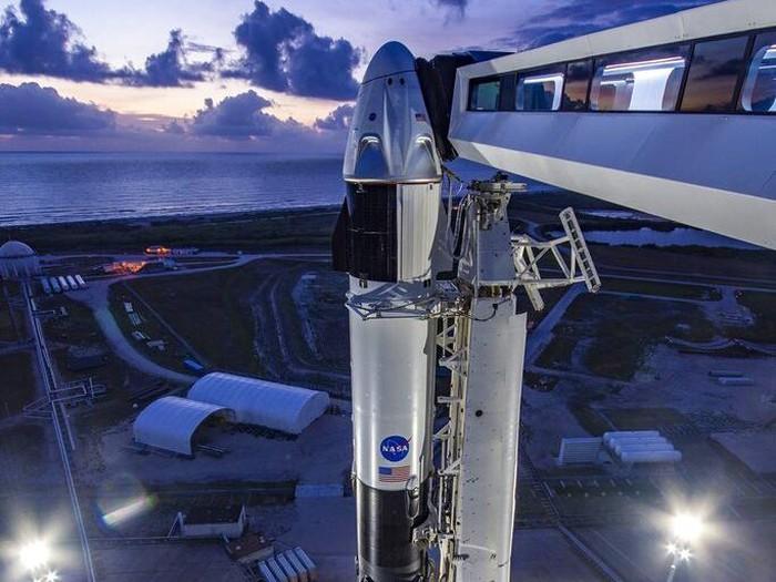 Dua astronaut NASA akan terbang ke Stasiun Ruang Angkasa Internasional pada 27 Mei. Astronaut yang bersiap dalam misi ini adalah Bob Behnken dan Doug Hurley.