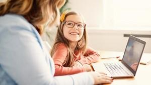 Kendala yang Dihadapi Saat Anak Sekolah Online Sementara Ortu Kerja di Kantor