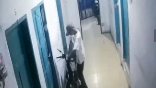 Pencurian Motor di Makassar Terekam CCTV