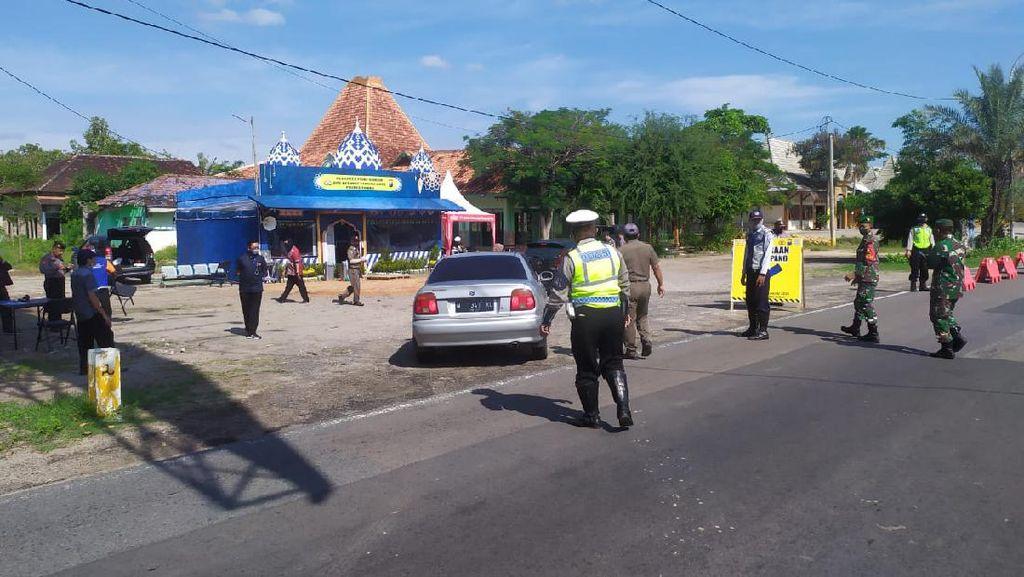 Arus Balik Via Pantura Tuban, Polisi Sekat Kendaraan Pelat Luar Jatim