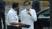 Momen Anies Hampiri Jokowi dan Berbincang Usai Cek Pendisiplinan di MRT