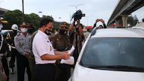 Anies Datangi Check Point di Tol Japek, Pastikan Aturan Pembatasan Masuk Jakarta