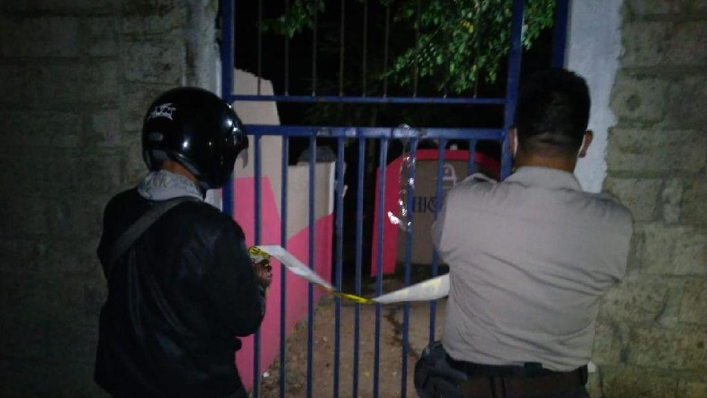 Polisi Redam Aksi Anarkis Warga Lombok NTB yang Tutup Paksa Kafe Tuak