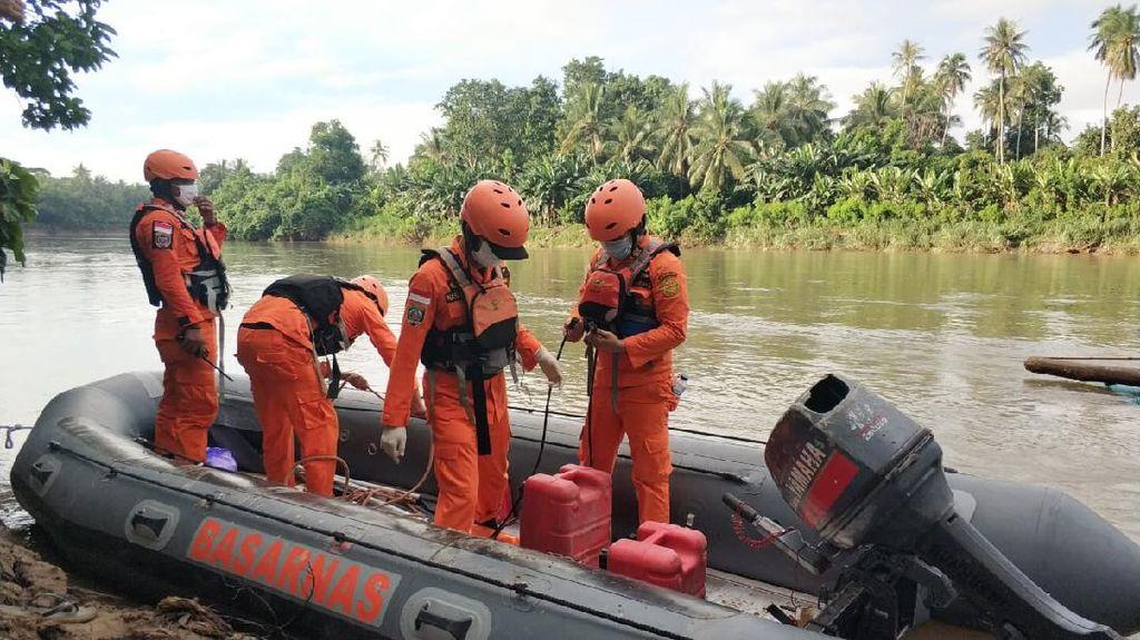 Basarnas Lanjutkan Cari 3 Warga Hilang di Sungai Polman Usai Hindari Polisi