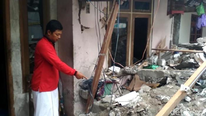 Mahfudz, ayah balita korban tewas Kapolsek di Rembang penabrak rumah