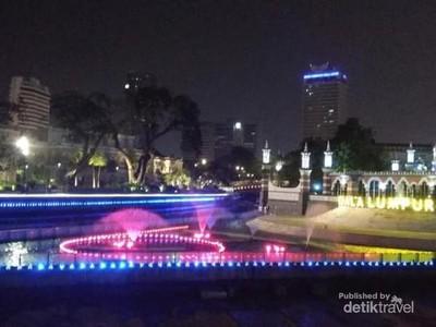 Indahnya Malam di River of Life Kuala Lumpur