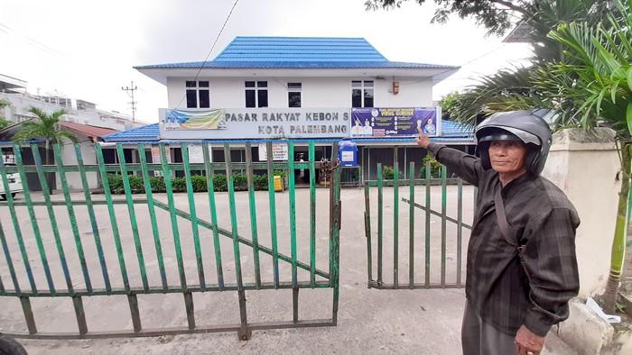 Pasar di Palembang ditutup usai ada pedagang positif Corona (Raja Adil-detikcom)
