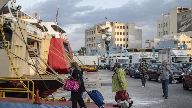 Yunani buka wisata untuk turis domestik