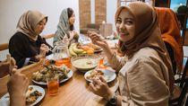 Kalap Makan Saat Lebaran, Maafkan Dirimu dengan Cara Ini