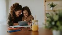 Sekolah Belum Buka, Bagaimana Cara Bikin Anak Nyaman Belajar di Rumah?