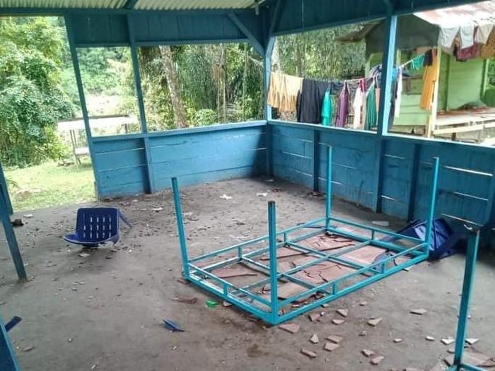 Kondisi warung tuak di Tapteng yang dirusak sekelompok pemuda (dok. Istimewa)