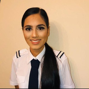 Kepincut Pesona Pilot yang Ikut Kontes Jadi Ratu Kecantikan