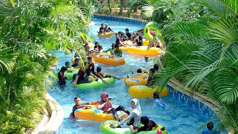 Waterpark di Harapan Indah.