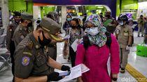 Pemeriksaan Penumpang dari Luar Kota di Stasiun Gambir Diperketat