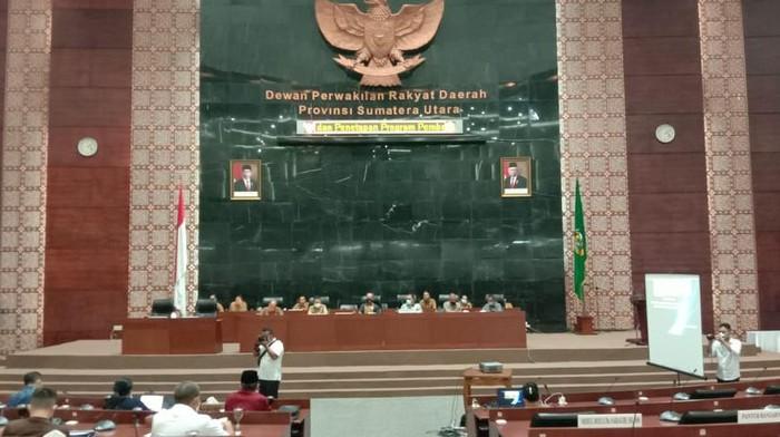 Rapat DPRD Sumut bersama Pemprov (Ahmad Arfah-detikcom)