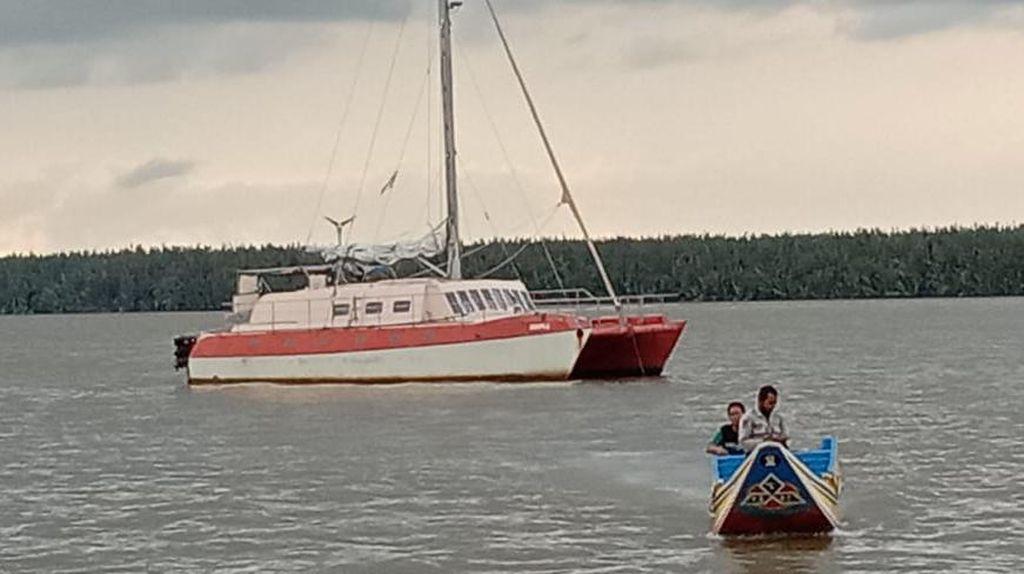 Kemenhub Selamatkan Yacht Australia yang Dirompak di Perairan OKI Sumsel