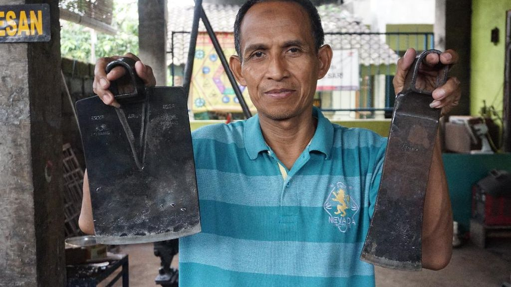 35 Tahun Produksi Cangkul, Ini yang Bikin Warga Klaten Bertahan
