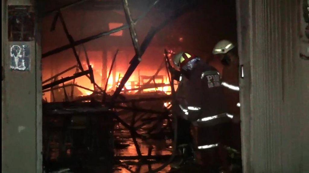 Rumah Makan di Tulungagung Ludes Terbakar, Kerugian Ditaksir Rp 150 Juta