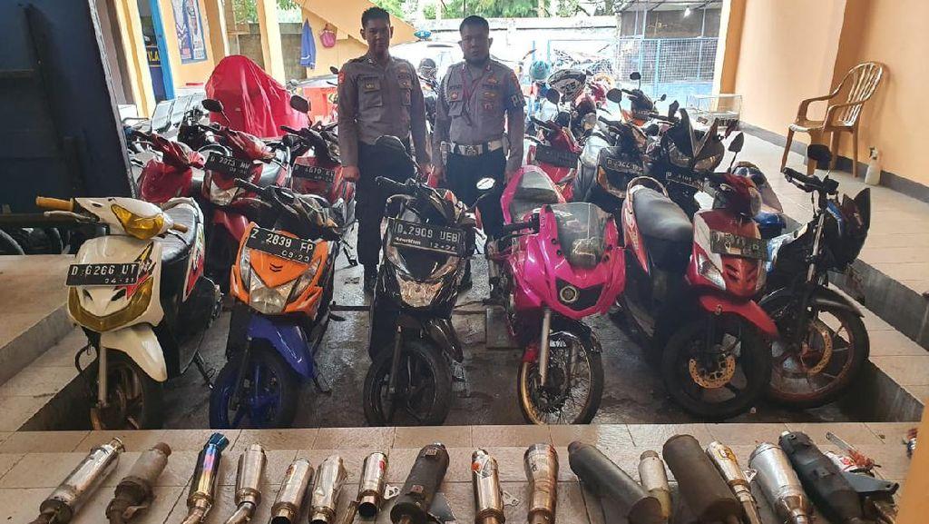 Polisi Sita Puluhan Knalpot Brong di Jalur Bandung-Lembang