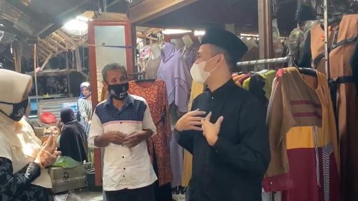 Anggota DPR RI Mufti Anam blusukan mengunjungi sejumlah UMKM di Pasuruan. Ia memotivasi UMKM agar optimistis menyambut new normal di tengah pandemi Corona.