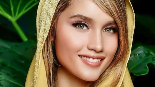 Mirip Barbie! Cantiknya Cinta Laura Kala Berhijab