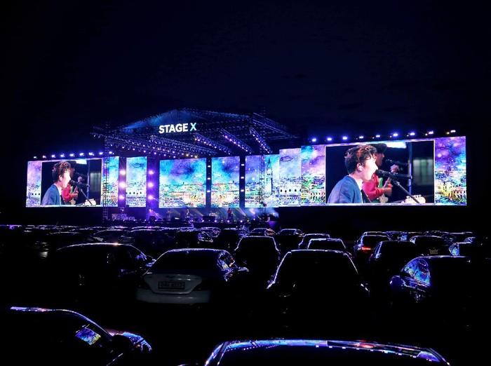 Cara Unik Nonton Konser K-Pop, Penontonnya di Dalam Mobil