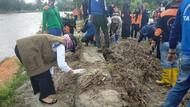 Bupati Luwu Utara Pimpin Bersihkan Taman Sulikan yang Terdampak Banjir