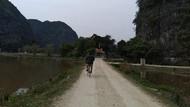 Serunya Bersepeda di Kawasan Perbukitan Tam Coc Vietnam