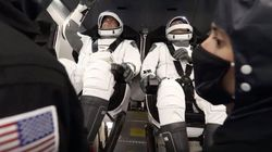 Pesawat SpaceX Menuju Bumi Bawa Pulang Astronaut NASA
